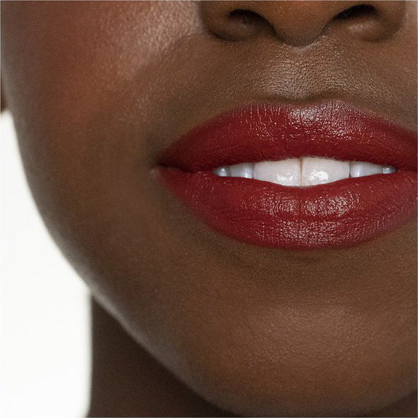 How to choose the perfect shade of red lipstick